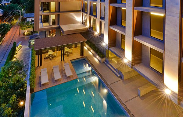 The-Hudson-Sathorn-7-Bangkok-condo-for-sale-swimming-pool-2