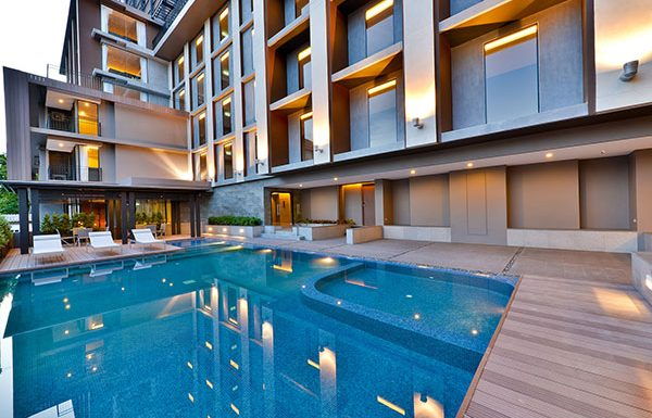 The-Hudson-Sathorn-7-Bangkok-condo-for-sale-swimming-pool